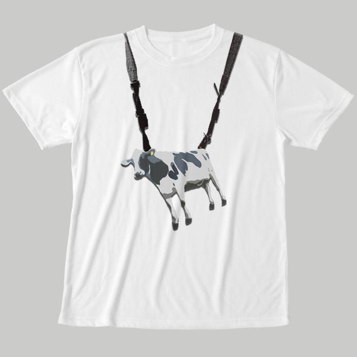 牛ぶら下げて、出かけよう  | 牛のTシャツ屋 ( cowlovesmusic ) の【牛ストラップ】フルグラフィックTシャツ