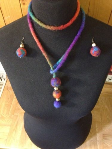 Handmade felted wool necklace and earrings \ felted set - earrings + necklace