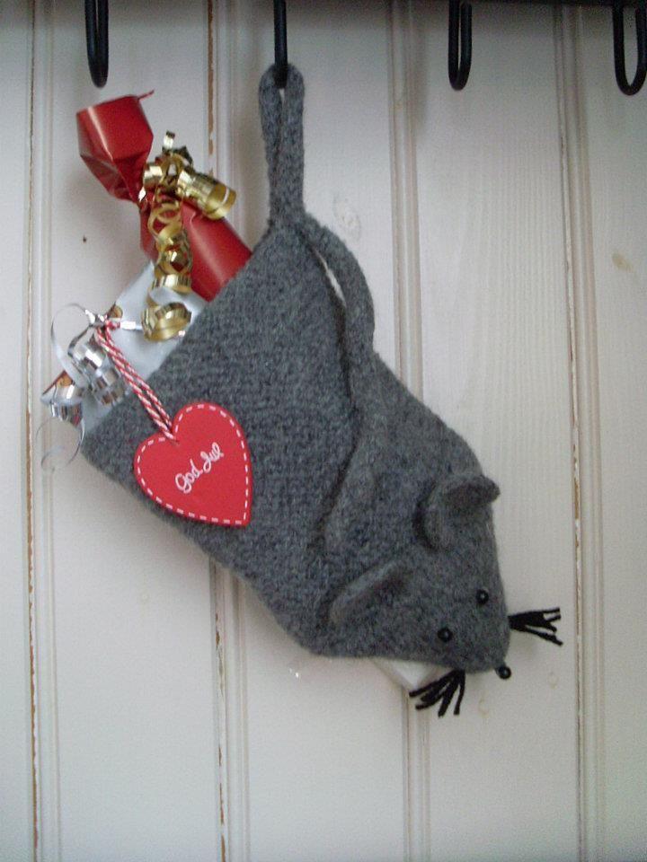 Egen tovet julestrømpe-mus