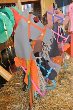 * Stokpaarden maken van karton