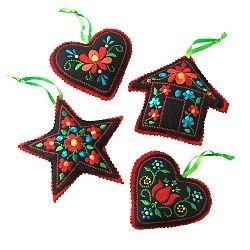 I *heart* Scandanavian ornaments!  Love 'em!!!