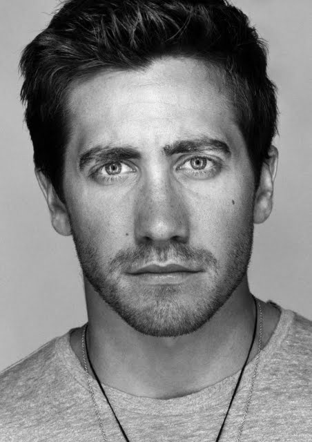 Ok.. only one actor, and it's enough - he's really charismatic... I appreciate more real men... :P