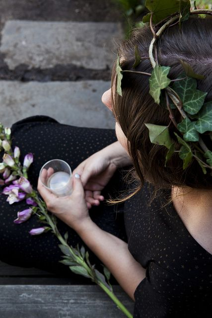 [Kinfolk Magazine's flower pot-luck | Amy Merrick by Nicole Franzen Photo.]: