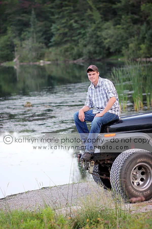 Senior Photo Ideas For Boys | Country Boy Senior Picture Ideas Such a country boy!