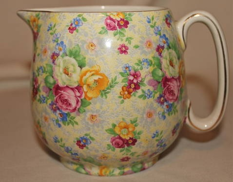 Have this little milk jug which I put miniature roses in