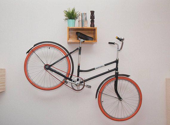 Madera estante de la bici piñón de la silla de montar