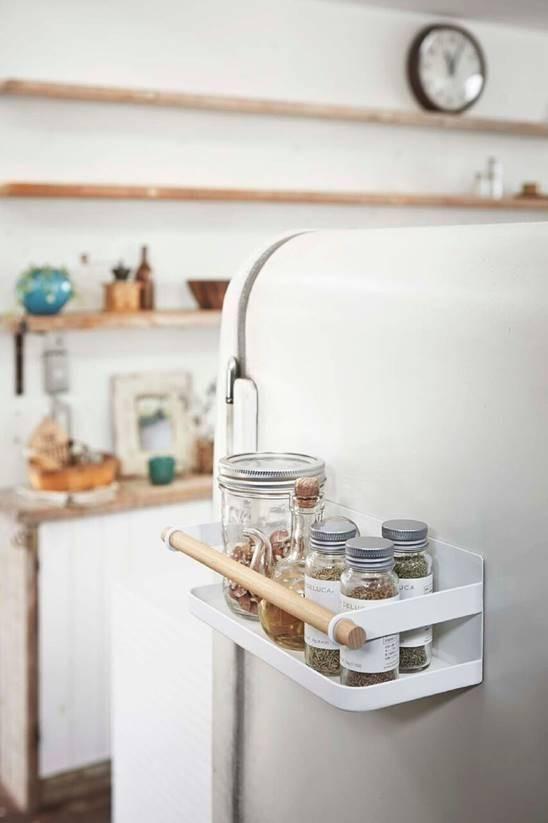 Tosca Magnetic Spice Rack design by Yamazaki