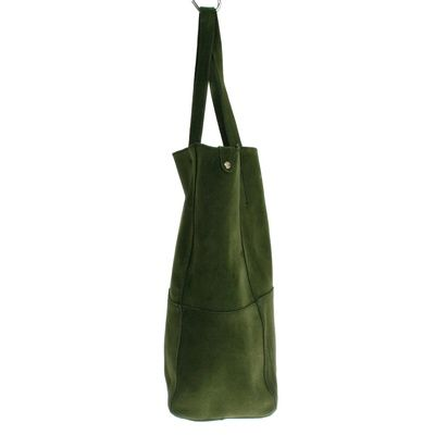 Lucie Cesped #bagdesign #zurich #zürich #bags #bag #autumn #tasche #baggoals #shoes #bagsarelife #leather #lagarçonneshoes #lagarconneshoes #schultertasche #shoulderbag #designerbags #cool #shopper #shopperbag #shoppingbag #wildleder #leder #ledertasche #latherbag #switzerland #suisse #schweiz #svizzera #bern #basel #biel #geneve #green #grün #greenbag