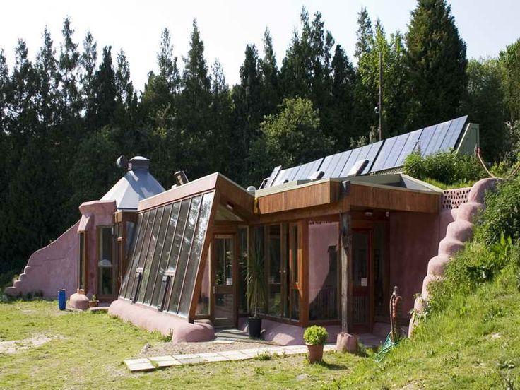 Unique Sustaining Homes Design ~ http://lovelybuilding.com/cool-self-sustaining-homes-design/