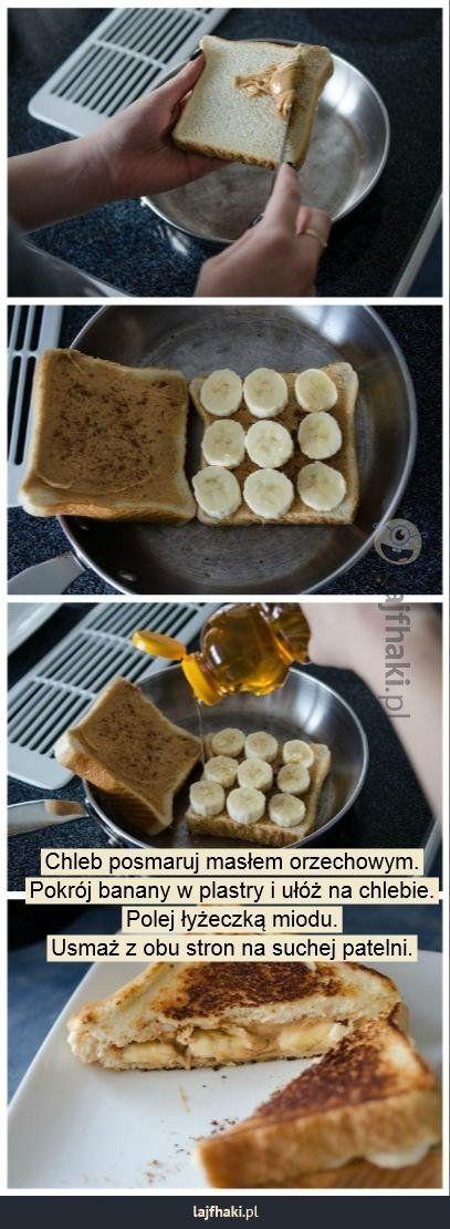 Tosty na słodko - Chleb posmaruj masłem orzechowym. Pokrój banany w plastry i ułóż na chlebie. Polej łyżeczką miodu. Usmaż z obu stron na suchej patelni.