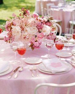 センターピースにも桜を取り入れて…♡ 桜の時期のウェディングのアイデア。結婚式/ブライダルの参考に☆