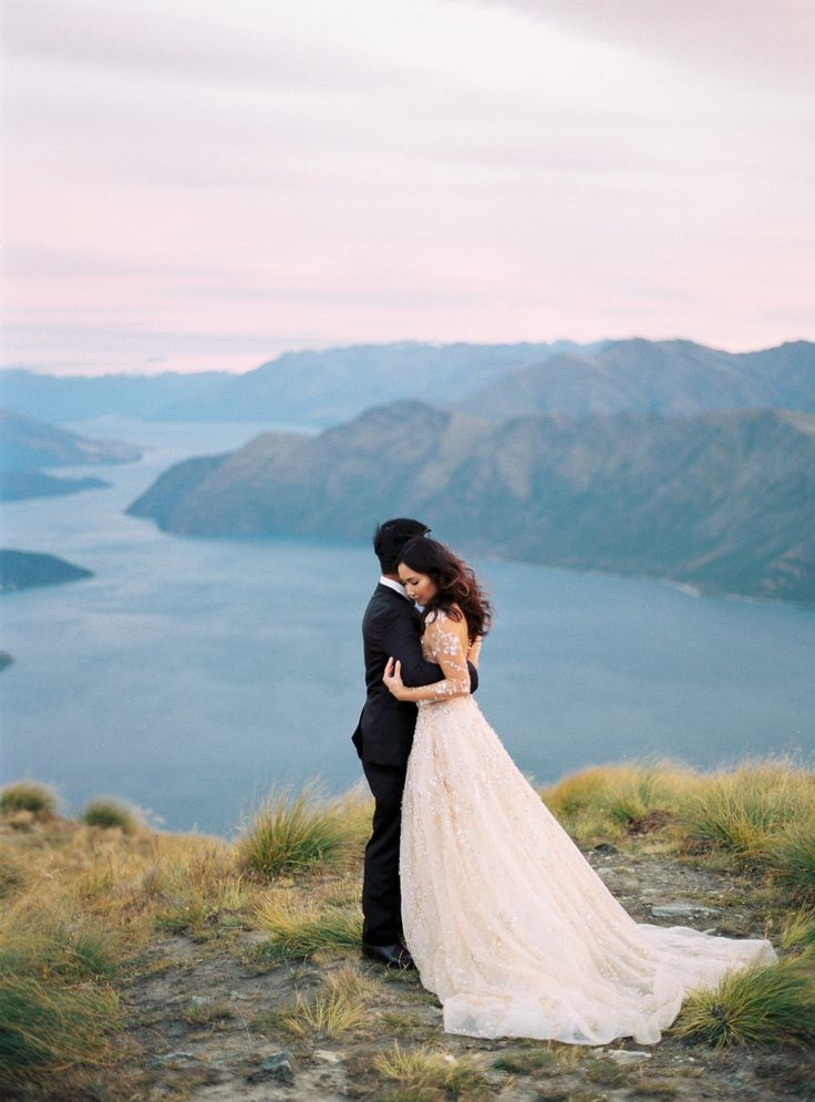 Bride + Groom Take a Helicopter for Sunrise Bridal Portraits