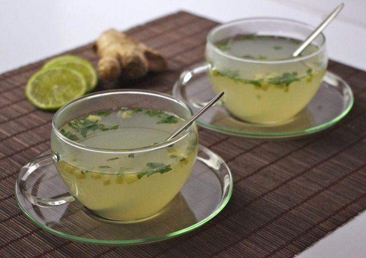 L'infusion maison détox de l'hiver gingembre frais, menthe de la jardinière et citron vert.