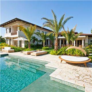 Tropical Plantation style, love it! Yes, I'm dreaming!