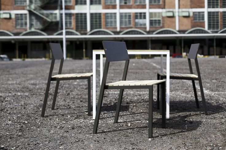 egoé outdoor furniture | CORA chairs. Practicality is the main asset of the cora chair which makes it the most versatile egoé product. Its distinctiveness lies within the fact that it fits literally anywhere. Design: designcité+