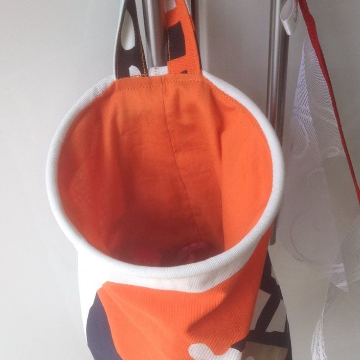 Washing peg bag (or also very useful for knitting needles, crochet hooks, pens, materials and fabrics, make-up, toiletries, craft supplies