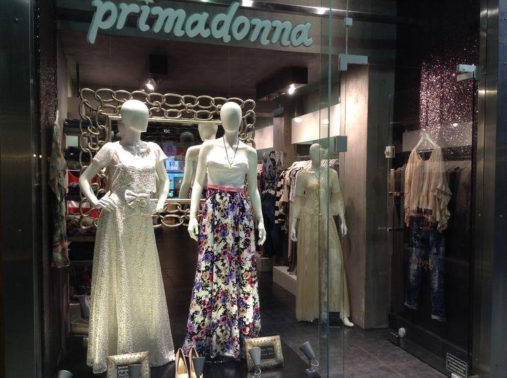 Primadonna collection s/s 2016.Βιτρίνα του καταστήματος στο www.primadonna.com.gr