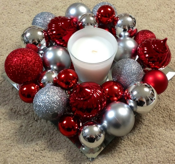 Ornament centerpiece.. Love Christmas time :)