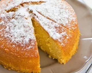 Gâteau douceur léger à l'orange  : http://www.fourchette-et-bikini.fr/recettes/recettes-minceur/gateau-douceur-leger-a-lorange.html