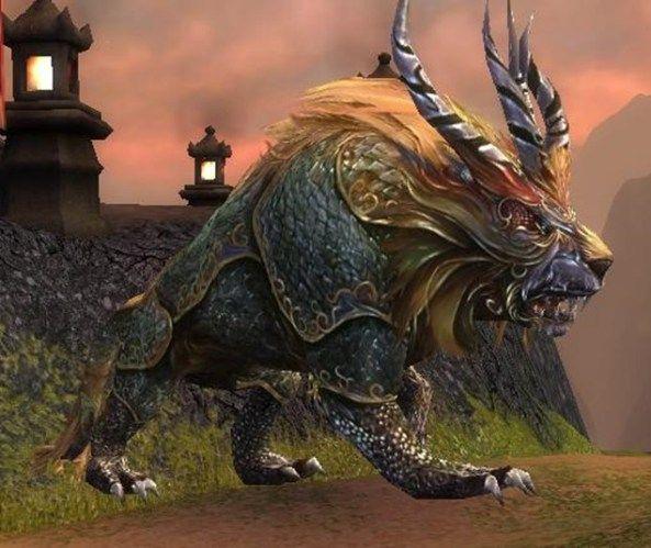Nian es, en la mitología china, la bestia que representa la primavera y anuncia la llegada de otro año. El llegaba en año nuevo para devorar a la gente, por eso se hacen fiestas muy ruidosas con dansas, fuegos artificiales, petardos, etc para aullentar a la bestia.