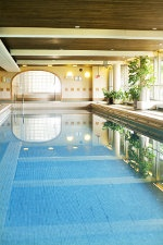 Swimming and relaxing at Hotel Tallukka