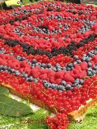 torta nuziale frutti di bosco -