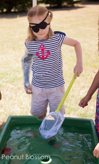 Party ideas for a pirate partylike the hunt for treasure game in the water table