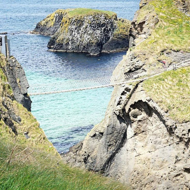 Carrick-a-Rede is a famous rope bridge in Country Antrim, Northern Ireland. Once you make your way over to the tiny island you can enjoy some amazing views.