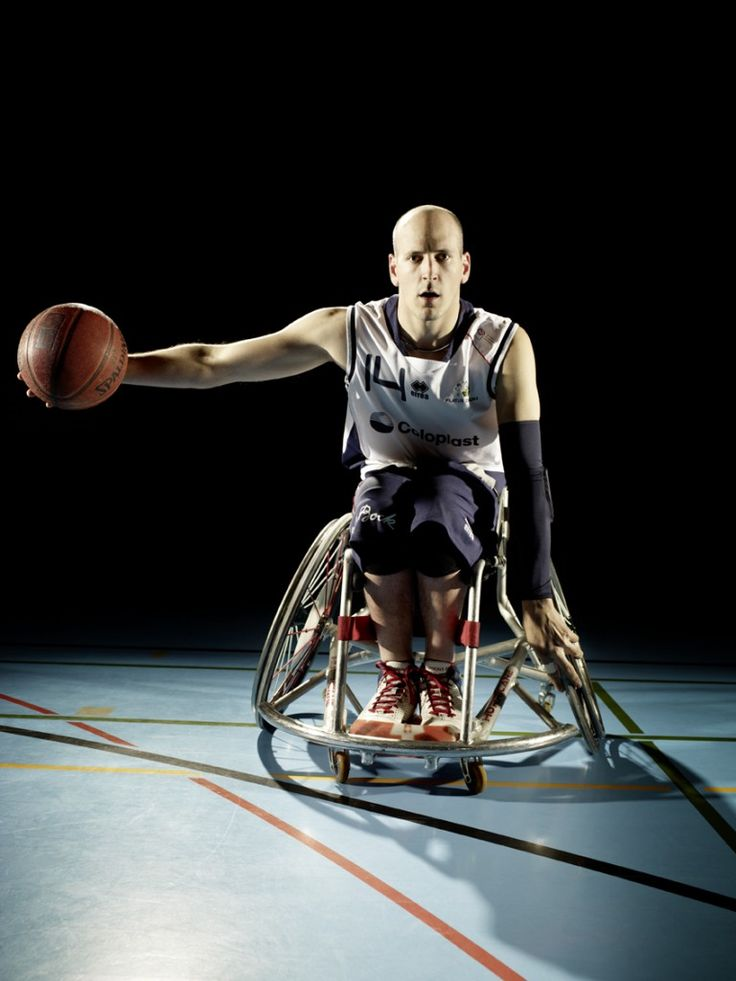 Paralympic wheelchair ex-basketball pro player Nicolas Hausammann in action! This man achieved so much. After he ended his career as a wheelchair-player he become the headcoach for the swiss national wheelchair basketball team. Chapeau! Check out the whole spread.  #NicolasHausammann #swiss #Paralympic #national #team #shooting #wheelchair #sports #basketball #talent #coloplast #errea #erreasport #pilatusdragons #headcoach #nottwil #paraplegiker #paraplegic