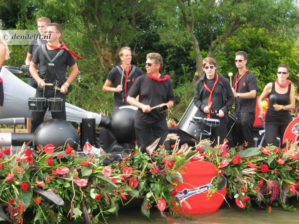 "Live band on a boat, adding rhythm to the Floating Parade (""Varend Corso Westland"", The Netherlands)."