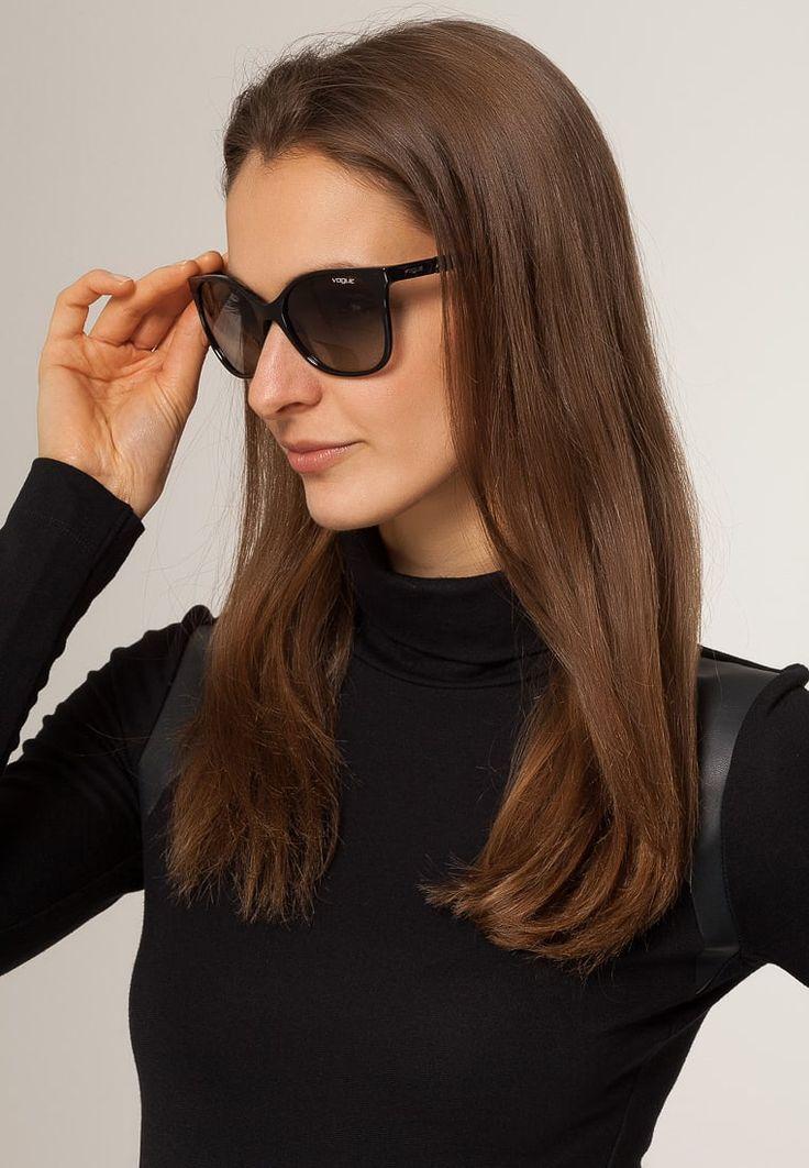 ¡Consigue este tipo de gafas de sol de Vogue ahora! Haz clic para ver los detalles. Envíos gratis a toda España. VOGUE Eyewear Gafas de sol black: VOGUE Eyewear Gafas de sol black Ofertas   | Ofertas ¡Haz tu pedido   y disfruta de gastos de enví-o gratuitos! (gafas de sol, gafa de sol, sun, sunglasses, sonnenbrille, lentes de sol, lunettes de soleil, occhiali da sole, sol)