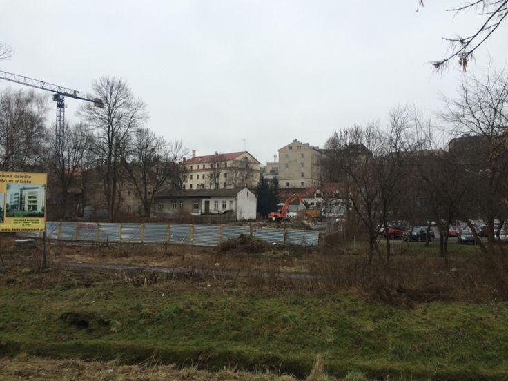 Ul. Szewska, porządkowanie terenu prób budowę bloków mieszkalnych, widok od strony Czechówki, FEB 2015
