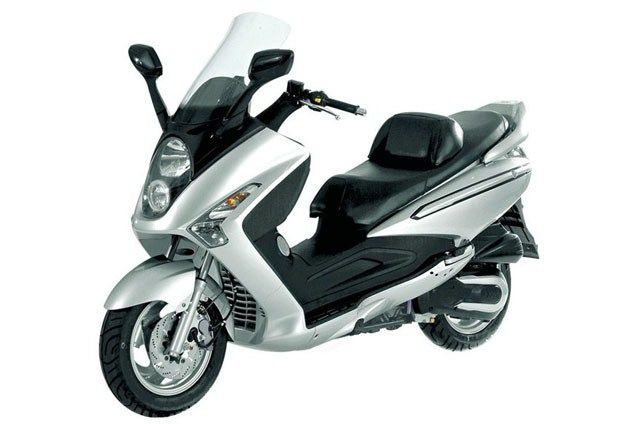 Top 10 maxiscooters under £3k - Sym Voyager 250 - Page 9 - Motorcycle Top 10s - Visordown