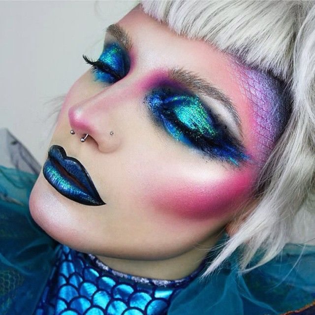 Alien mermaid @pennold used a tonnnn of #sugarpill to create this beautiful bewitching look!
