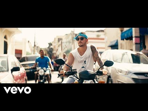 Maluma - Sin Contrato Official Video - Biryna.com