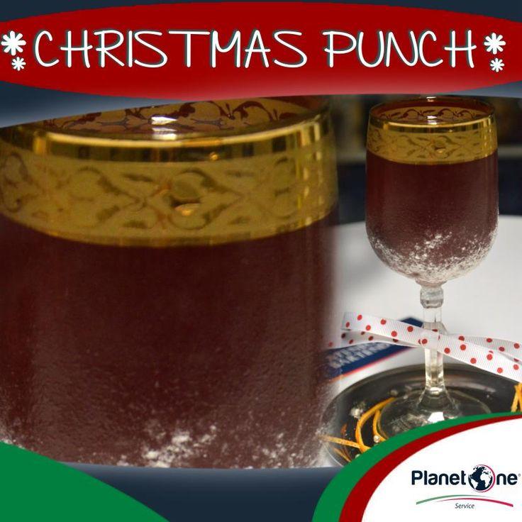 """Cocktail Alcolico """"Christmas Punch""""  Ingredienti: 3 oz Infuse Ibiscus 1 ½ rum Appleton Especial 1/2 oz Sciroppo canella e chiodi garofano 1 oz Succo mandarancio zucchero a velo (per guarnizione base bicchiere) per la ricetta completa visita: http://www.planetone.it/i-cocktail-di-natale-di-giorgio-puma-edizione-2014/"""