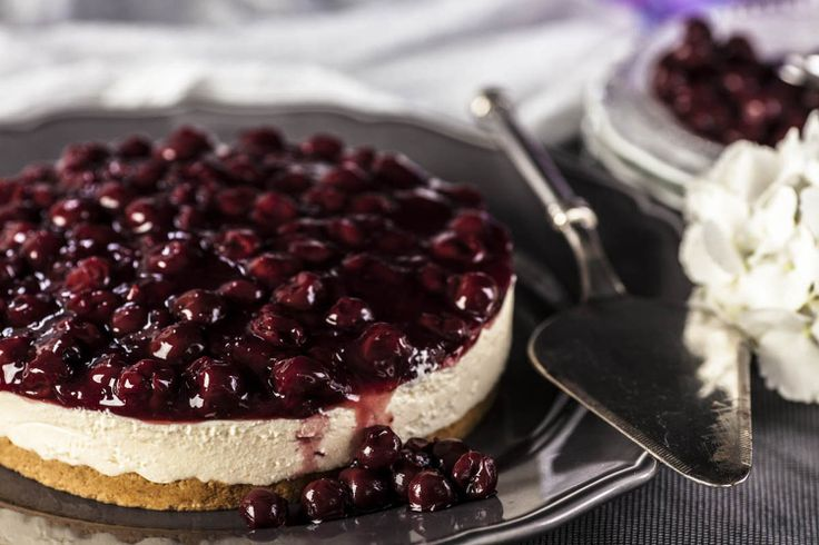 Τσίζκεικ ( Cheesecake ) with sour cherry from Afoi Asimakopouloi, Athens http://asimakopouloi.com/