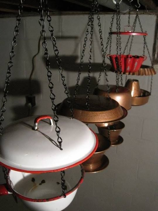 Bird feeders from recycled kitchen items! From Re-Scape at FB  https://www.facebook.com/photo.php?fbid=213023538864316&set=a.140815909418413.31776.139558599544144&type=1