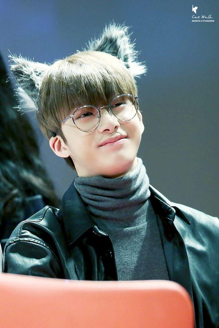 Cute Glasses Wallpaper ปักพินโดย Piglet ใน Monsta X Monsta X Hyungwon