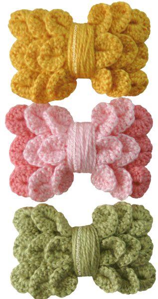 Cómo tejer un lazo o moño para la cabeza a crochet en punto cocodrilo o escamas (cocodrile stitch bow!)