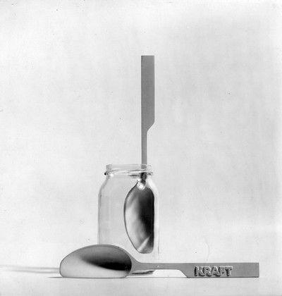 Cucchiaino per barattoli 1962 Progetto: Achille e Pier Giacomo Castiglioni 1962 1996 Produzione: Kraft, Alessi.