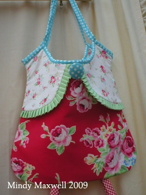 cute clothes pin bag-  clothes pin bag?  I would use this as a purse!