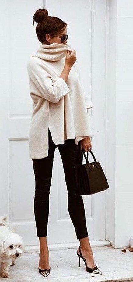 #fall #outfits witte trui met witte schildpaddenhals en zwarte broek