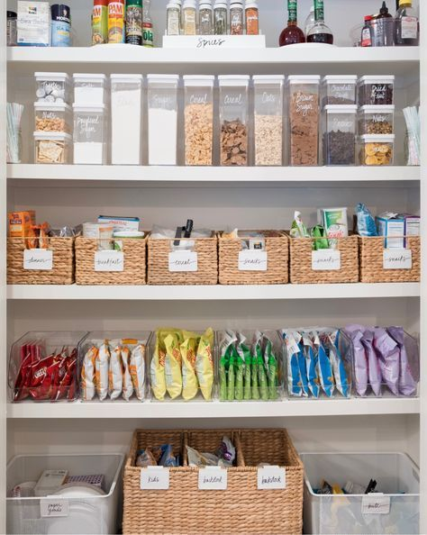 """What do you do during daylight savings when your kids have been up since the middle of night? Reorganize your pantry! For the 100th time. ❤️ Find these pieces, and our other favorite items, on THE shop page [thehomeedit.com/shop] - just click on the image under """"shop the feed"""" // or shop via screenshot using the @liketoknow.it app // http://liketk.it/2tkML ❤️ #thehomeedit #pantry #organization #liketkit"""