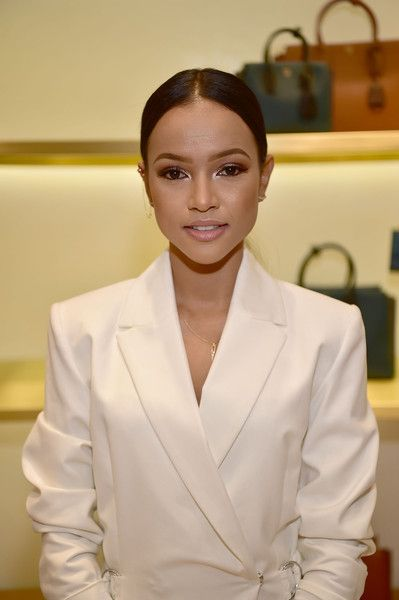 Karrueche Tran Photos - Karrueche Tran Eats and Shops at Fred Segal - Zimbio