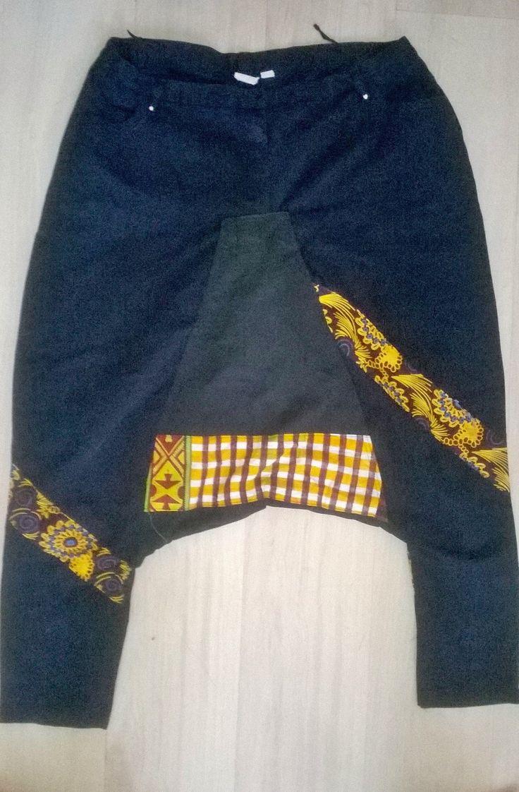 pantaloni modello bay fall con cavallo largo e stampa batik wax