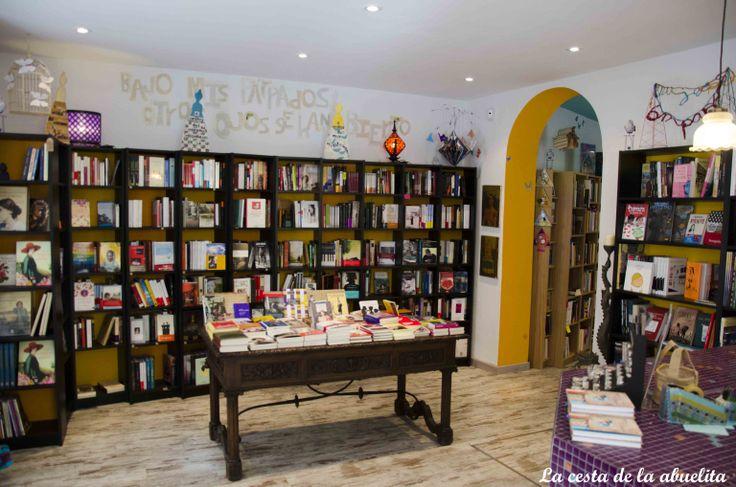 Librería Mujeres & Cía. Madrid. www.lacestadelaabuelita.com