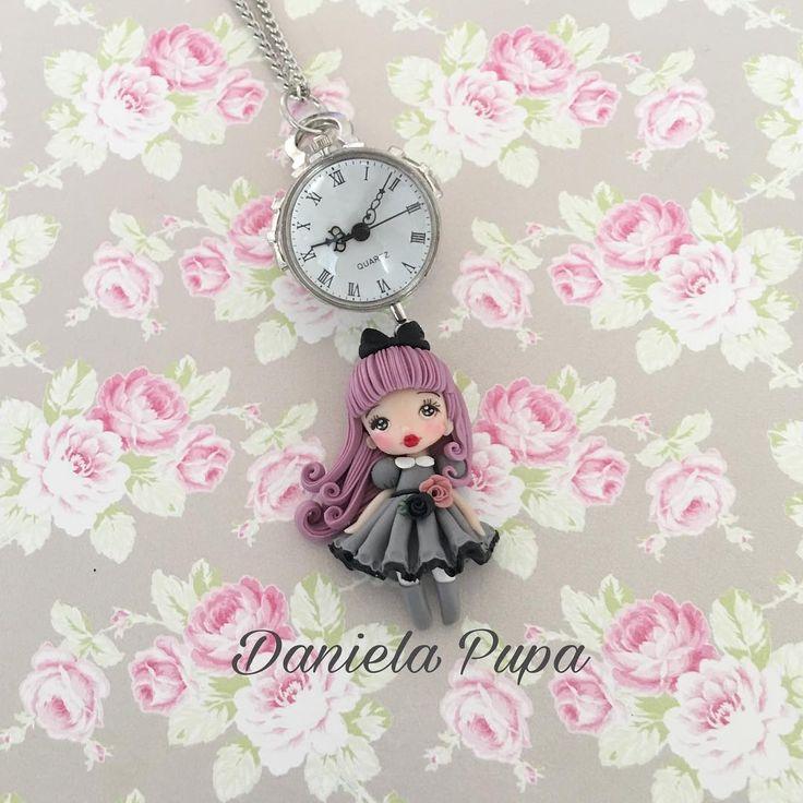 Gothic Lolita + Collana orologio 🖤Una delle tante creazioni che troverete dal 3 al 5 marzo al #Cartoomics  di #Milano