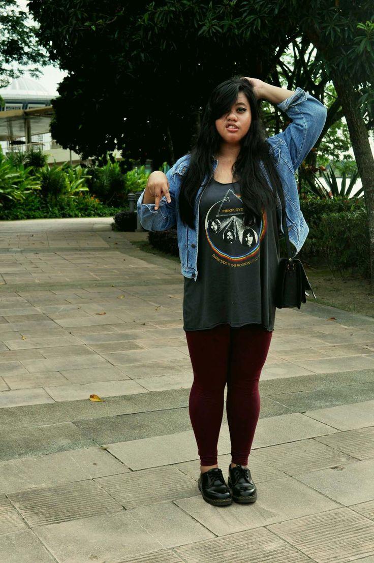 Hey Im Shazana. 21 & from Malaysia. Size 14-16. Photoshoot session with my…