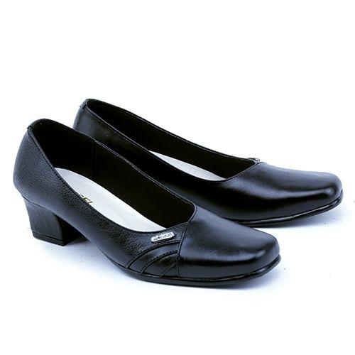 .  Nama Produk: Formal Wanita Garsel Shoes GAD 5002 SKU: GAD 5002 Ukuran: 36-41 Berat (kg): 1.2 Harga Jual: Rp. 203233 Harga Reseller: Rp. 162100 Deskripsi: Hitam 5cm Leather .  . Silahkan kontak kami terlebih dahulu untuk cek stok sebelum melakukan pembelian terima kasih   DM atau hubungi Whatsapp: 0895-3528-77930  .   Kami membuka peluang Reseller / Dropshipper GRATIS! tanpa biaya daftar Batch #1 - terbatas untuk 50 Reseller pertama dengan Keuntungan :  1 Belasan Ribu produk yang bisa…